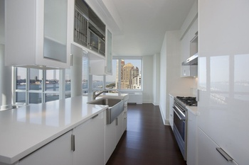 High Ceiling 3 Bedroom 3.5 Bath Direct Hudson River Views at The Aldyn!